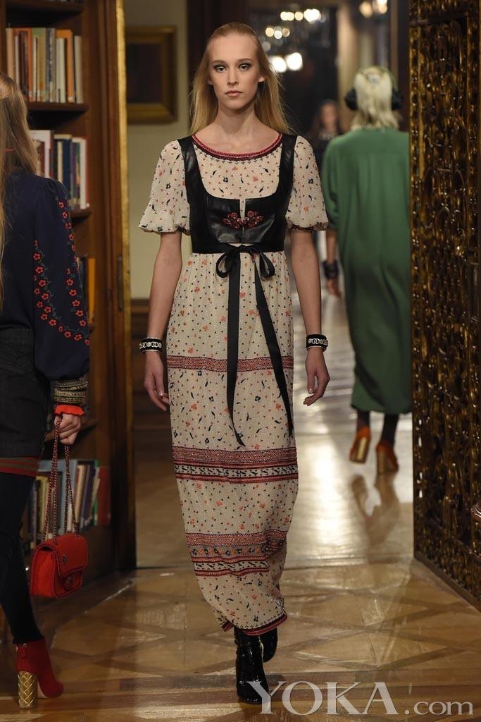 洛可可风格服装秀_Chanel 2015萨尔茨堡高级手工坊大秀_秀场直击_服装服饰