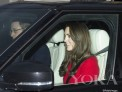 王室繁忙社交季 Kate王妃圣诞红裙
