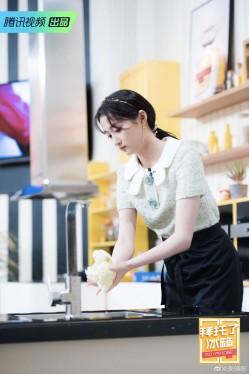 《拜托了冰箱》关晓彤的发饰也太好看了吧!