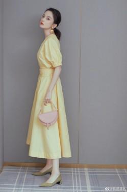 古力娜扎鹅黄色妆容亮相 甜美系少女上线!