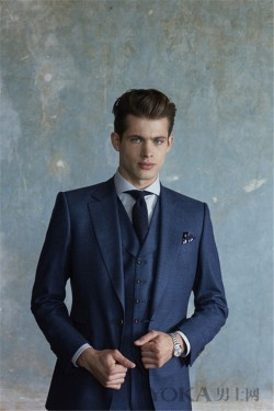 时髦男必种草蓝色西装 19套示范中你最喜欢哪款
