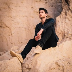 潮人示范沙漠靴的随性优雅 该如何搭配都在这里