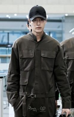 颜值衣品双在线的李敏镐 基本款也能穿出男神范