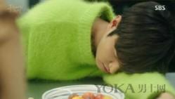 李敏镐穿绿色毛衣亮了 他穿的这17种颜色都不错