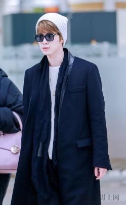 陈学冬的机场私服很温暖 好搭好看又实穿!