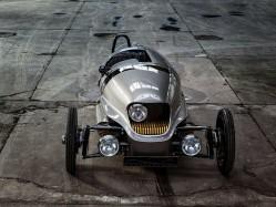 另类新玩具 纯电动复古跑车摩根EV3