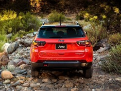 依旧很Jeep 2017款烈焰橙指南者COMPASS