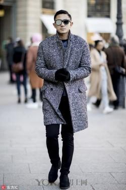 让衣橱化简为繁的秘诀:一条经典百搭的黑裤子