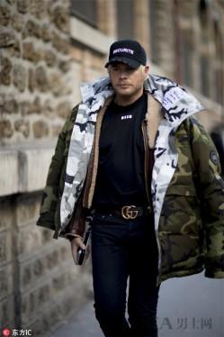 洋葱式叠搭穿多久都不过时 连帽卫衣+夹克最减龄