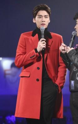 李易峰王凯领衔示范开运红装 开启一整年好运气