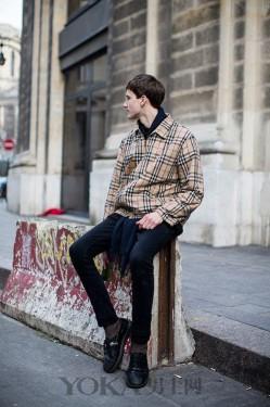 穿上时髦短夹克 你也能拥有性感大长腿