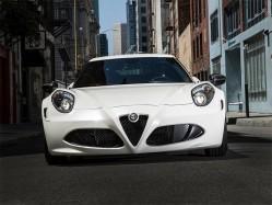 车坛的美丽娇客 Alfa Romeo 4C Coupe