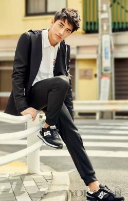 来件时髦舒适的慢跑裤  混搭到各种场合都可以
