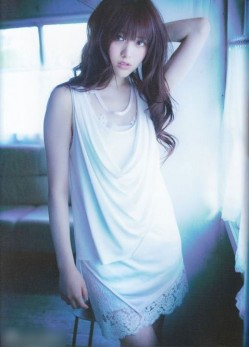 少女偶像松村沙友理杂志大片展成熟魅力