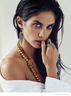 维密天使莎拉·桑帕约演绎奢华珠宝大片