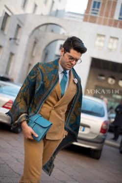 外套在暖春里 是披着用的(3)