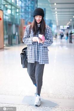 伦敦时装周这么酷?宋妍霏的格纹衫真好看!