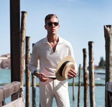 夏季必备白裤子 怎么搭才能怒甩路人100条街?