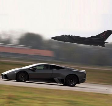 外形设计源自F-22战斗机 兰博基尼Reventon