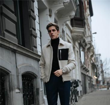 高领衫搭配短夹克干练又优雅 潮人街拍不能再帅