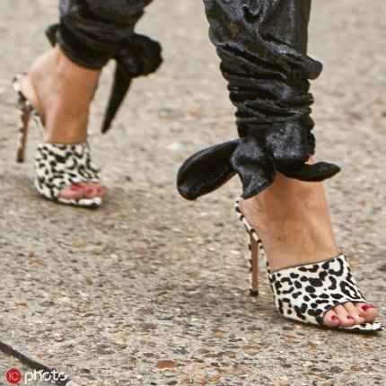 抓住夏天的尾巴£¬给鞋子加上动物纹¡°野¡±一把