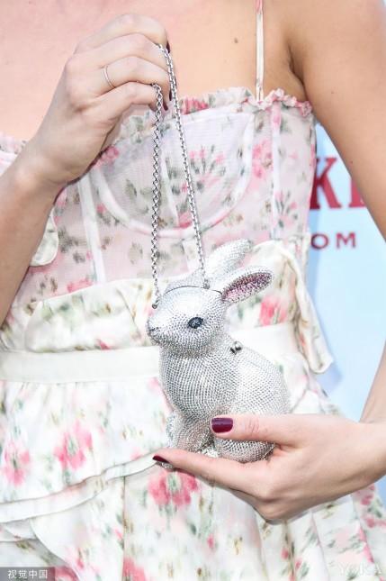 中秋赏月怎么能少得了玉兔陪伴