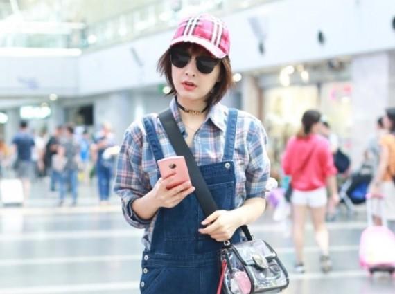 春夏穿什么能原地减龄10岁 吴昕最爱的背带裤来一条