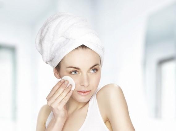 想要夏日妝容持久待機 妝前保濕一步都不能少!