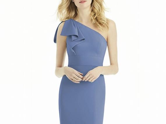 一抹蓝色让婚礼优?#27966;?#32423; 平价又时尚的伴娘裙有太多