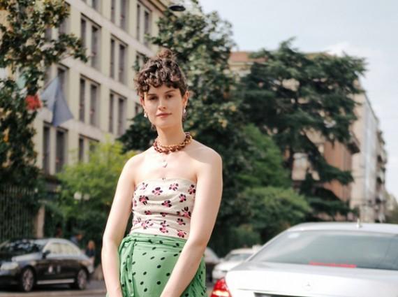 """随性范儿十足的围裹半身裙 给你来点神奇的""""显瘦特效"""""""