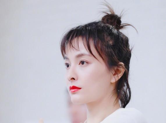 36岁的吴昕看起来像二十几岁 她的素颜肌?#24425;?#32477;了