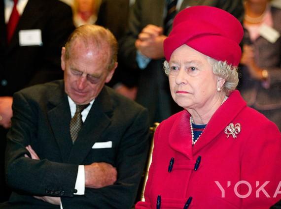 王室风云:英女王大发雷霆前的10个微表情