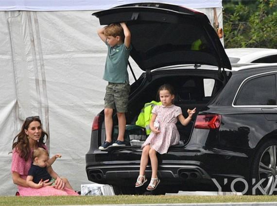 王室风云:探班两兄弟马球赛 凯特梅根首次带娃同框