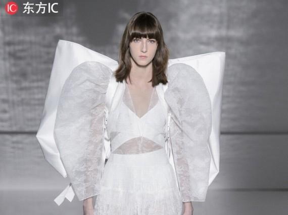 叛逆新娘的跳框解药 到高定秀场寻找最美的婚服之选