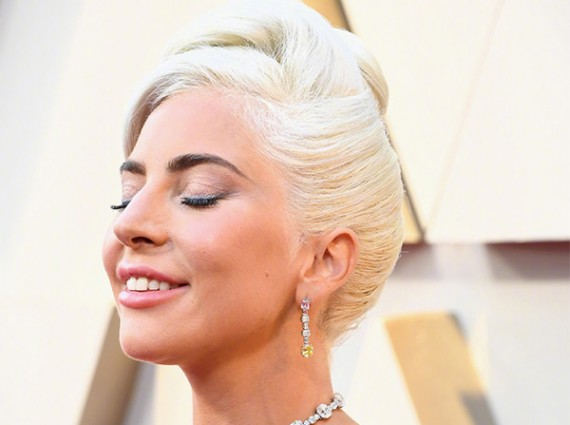 奥斯卡红毯珠宝 Gaga时隔58年再戴传奇黄钻项链£¡