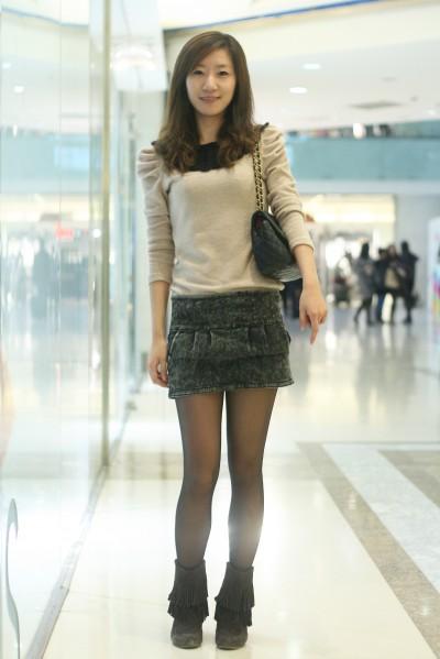 街拍超短裙大图 街拍超短裙美女大图 街拍超短裙抄底大图图片