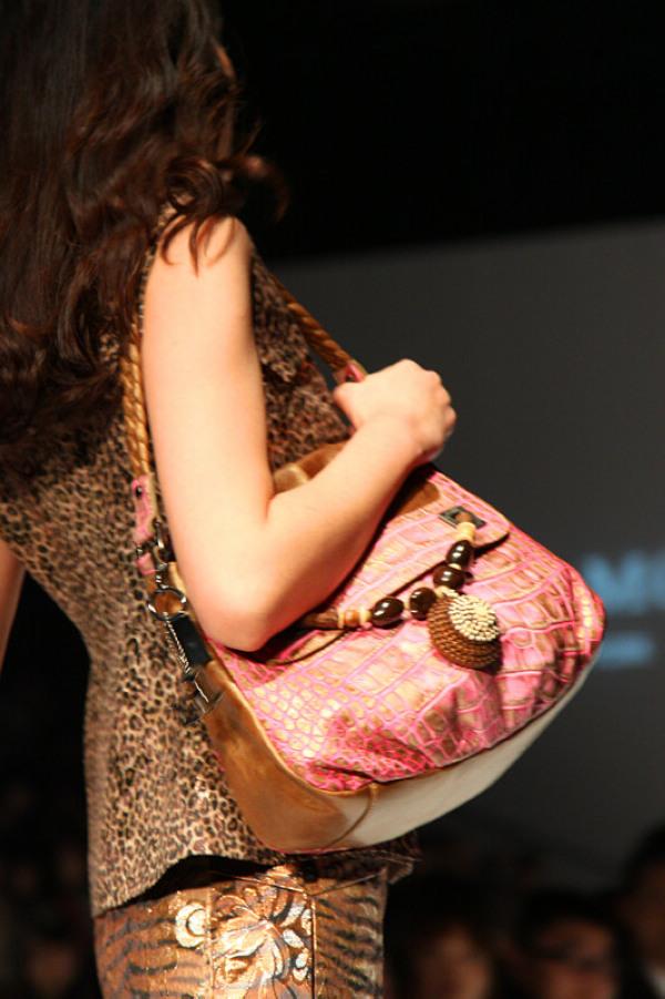 """""""危险之美""""·JAMIE MOORE 2012春夏新品发布会 - 卡米 - 巴黎坏品位"""