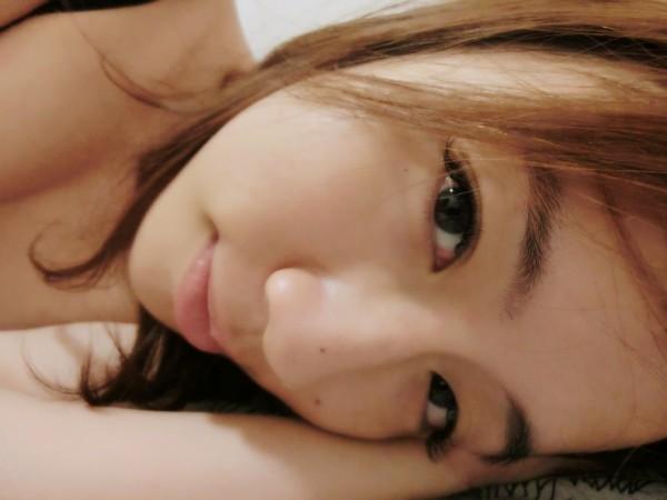 素颜小 睡觉图片