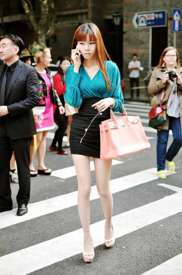上海时装周街拍#绝对的素颜美女