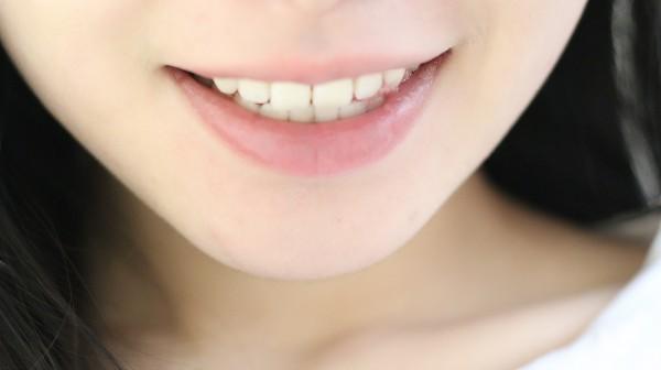 【爱蜜粒特】让牙齿炫白的秘密,原来那么简单