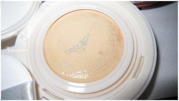 打造水光肌:L'OREAL巴黎欧莱雅瓷肌空气轻垫粉底液 N1