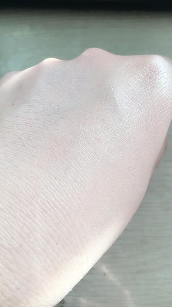 #开学季#  迪奥凝脂恒久粉底液 给肌肤更持久的妆容