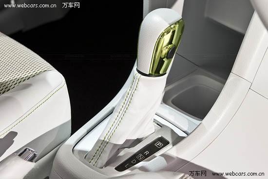 铃木推出雨燕混合动力车型 东京车展亮相 组图高清图片