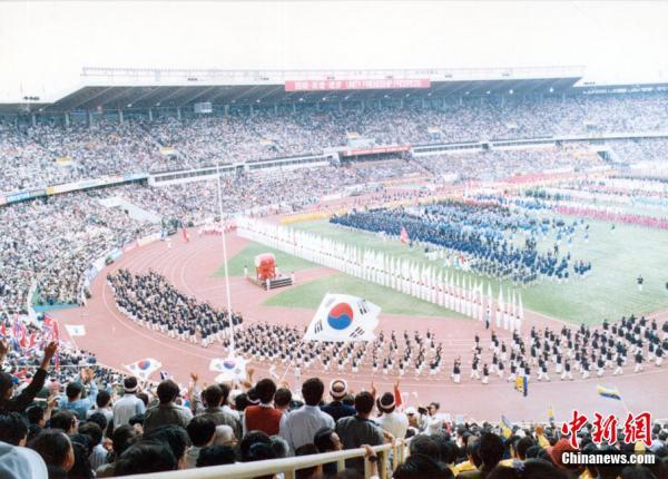 第11届北京亚运会_北京亚运会捐款第一人:\