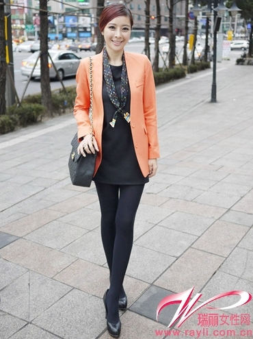 橘色修身西装搭配黑色连衣裙-小西装随心搭 显瘦No.1 组图