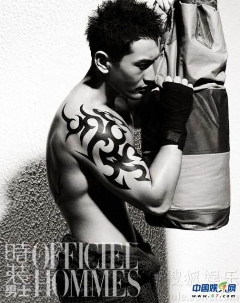 肌肉纹身男_肌肉男纹身图片