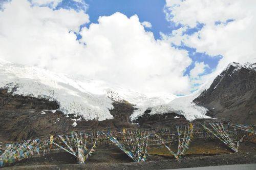 Winter swimming Tibet: swimming in the warm sun ice snow fun - KaRe glacier pure beauty